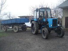 В Курском районе легковушка столкнулась с трактором, погиб полицейский