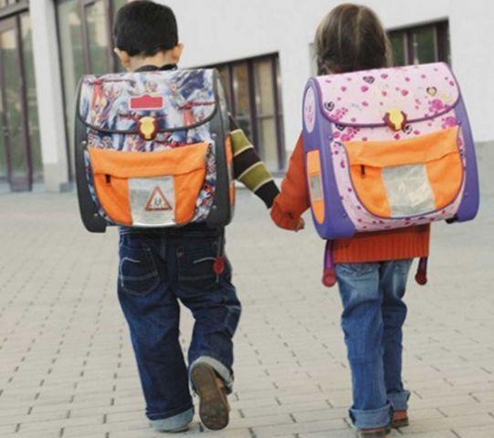 На Ставрополье многодетные семьи получили компенсацию на одежду, обувь и канцтовары