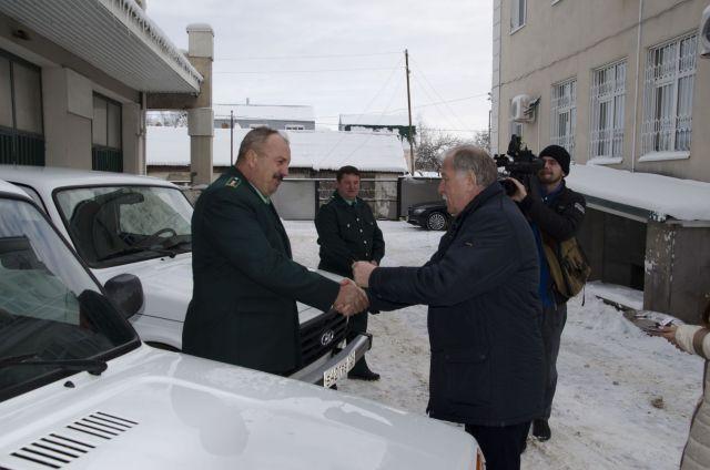 Автопарк Минприроды Ставрополья пополнили три «Нивы» и «Фермер»