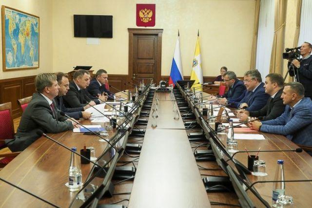 В правительстве Ставропольского края прошла встреча с генеральным директором ПАО «МРСК Северного Кавказа»