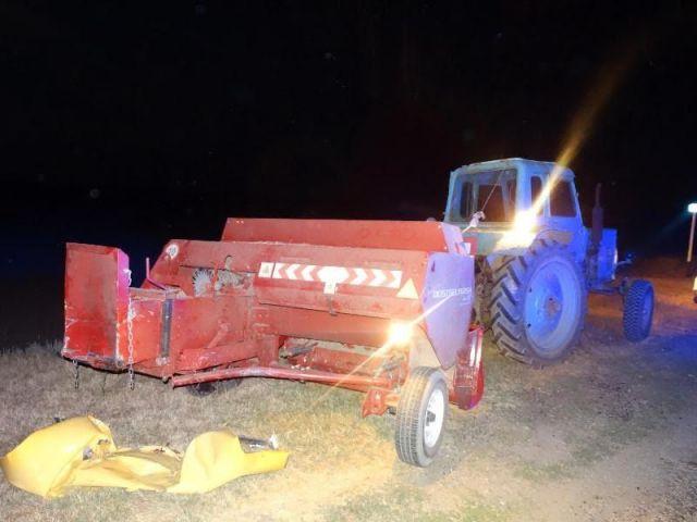 На Ставрополье 4 человека пострадали при столкновении легкового автомобиля и трактора