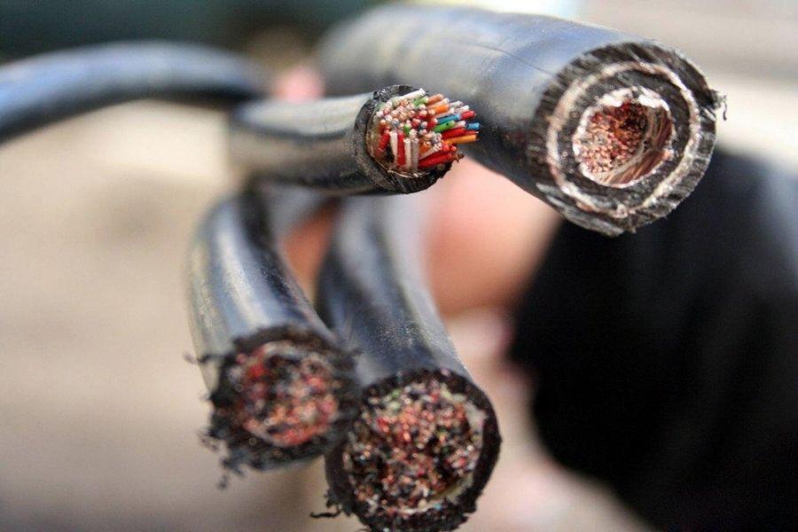 Жители Георгиевска два дня были лишены связи из-за кражи телефонного кабеля