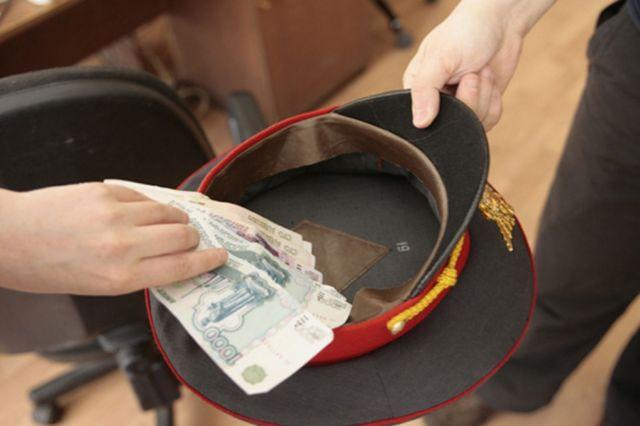 В Ставрополе полицейский подозревается в получении трёх миллионов рублей взятки