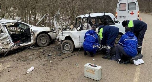 Под Ставрополем в аварии погибла женщина и пострадали три человека