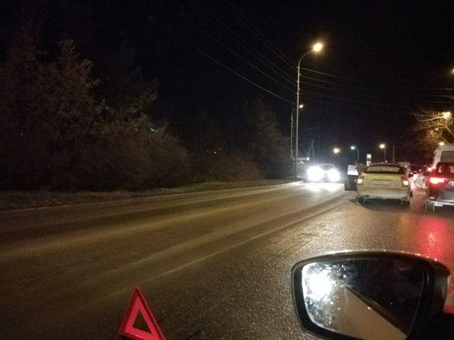 В эти минуты крупный затор образовался на Михайловском шоссе Ставрополя