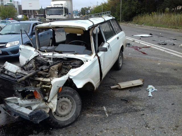 На Ставрополье столкнулись два автомобиля, погиб водитель