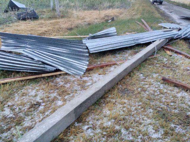 В Минераловодском округе ликвидируют последствия града и сильного ветра