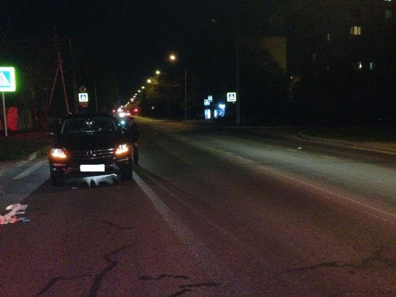 В Ставрополе водитель внедорожника сбил на пешеходном переходе женщину