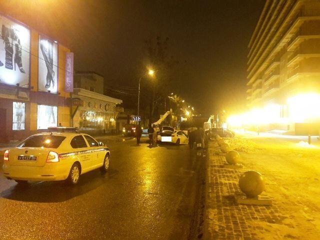 В Ставрополе легковушка врезалась в грузовик, есть погибший