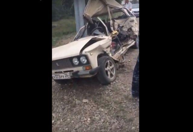 На Ставрополье водитель легковушки погиб после столкновения с автозаком