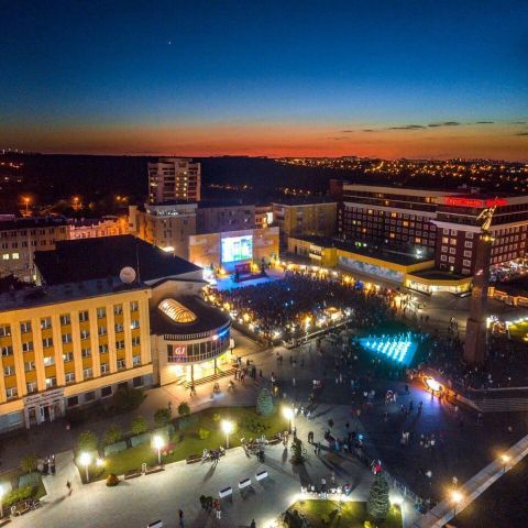 4 тысячи болельщиков собрала у большого экрана Александровская площадь Ставрополя