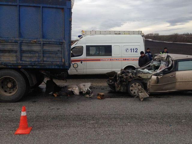 Под Ставрополем в страшном ДТП погибли три человека