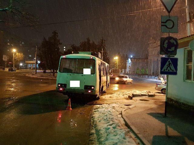 В Ставрополе женщина получила травму из-за резкого торможения автобуса