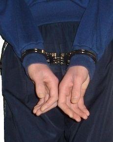 В Пятигорске двое мужчин совершили разбойное нападение на водителя Камаза