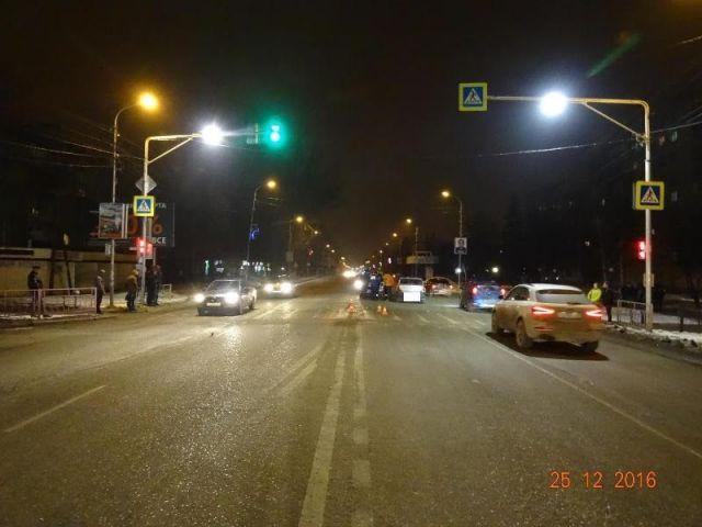 Ставрополец насмерть сбил мужчину, переходившего дорогу на красный свет