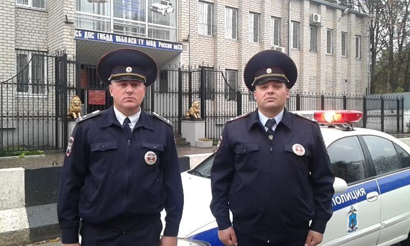 Ребенка с прирожденным заболеванием вернули родителям работники ДПС Пятигорска