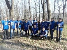 В Александровском парке краевого центра восполнили потерю загубленных дубов