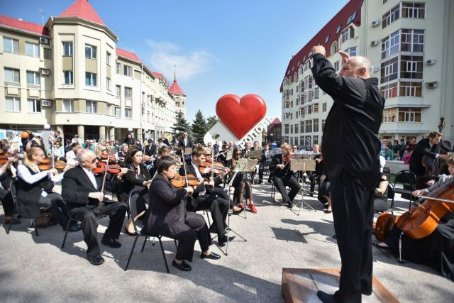 На юбилее Ставрополя совместно выступили хор Турецкого и тысячеголосый детский хор