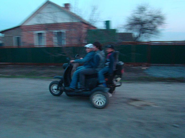 НаСтаврополье перевернулся мотороллер стремя подростками