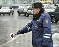 Житель Ставропольского края гнал «Ниссан» по поддельным документам