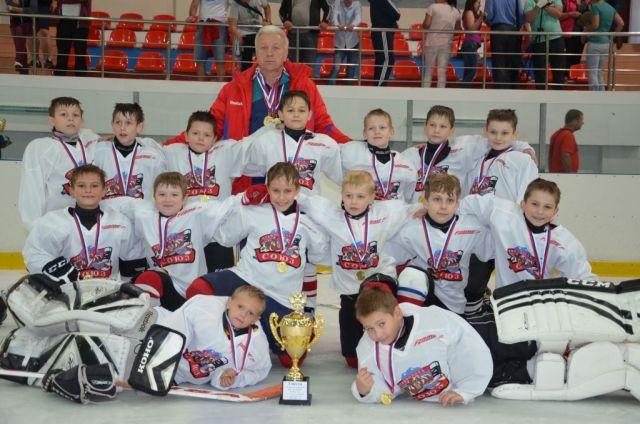 Хоккеисты из Ставрополя забили 36 шайб в региональном турнире