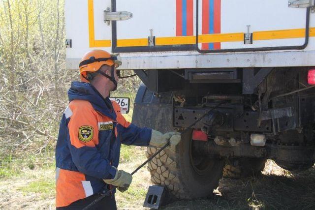 На Ставрополье автомобиль упал в оросительный канал