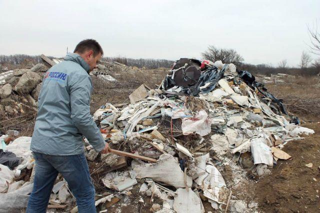 На границе с Русским лесом свалка мусора разрослась на 9 гектаров