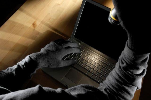 На Ставрополье инженер-программист подозревается в краже 11 ноутбуков из школы