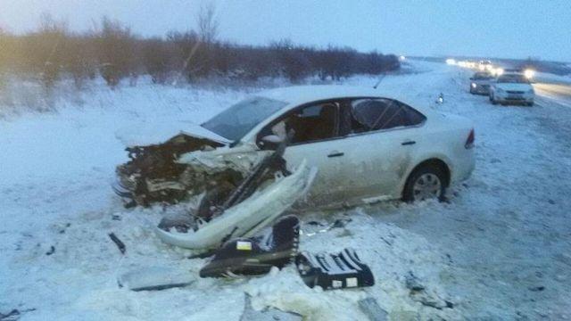На Ставрополье столкнулись две легковушки, пострадали трое