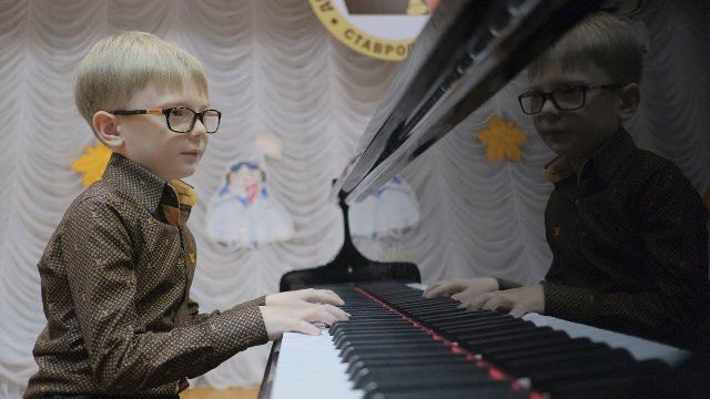 Пианиста из Ставрополя Эмиля Волкова поддержал губернатор
