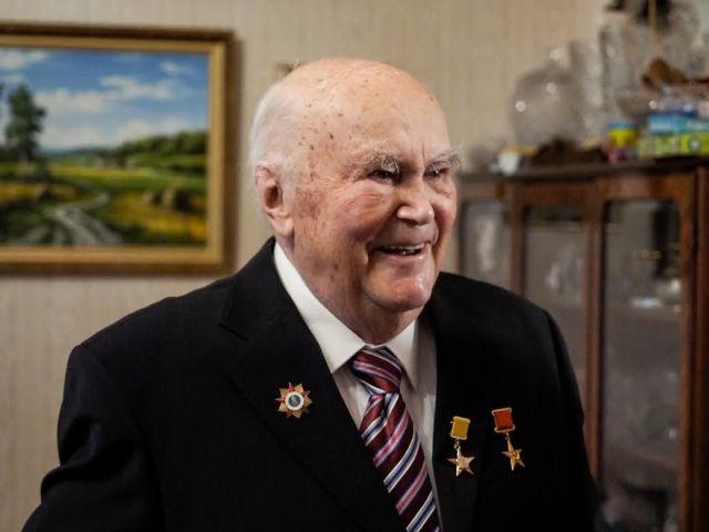 Владимир Владимиров поздравил с 90-летием Всеволода Мураховского