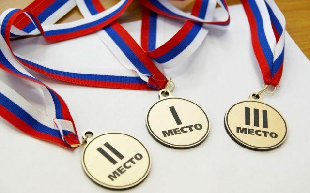 Ставропольцы привезли 4 медали с чемпионат края по пауэрлифтингу