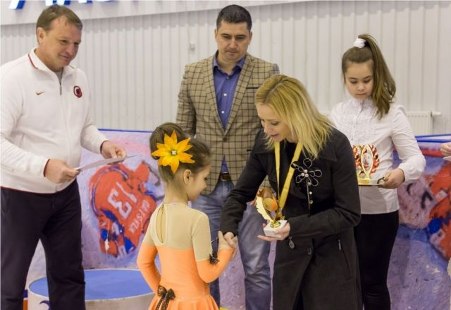 В Невинномысске прошло открытое первенство пофигурному катанию напризы олимпийской чемпионки Елены Бережной