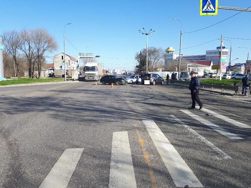 ВНевинномысске женщины-водители неподелили дорогу