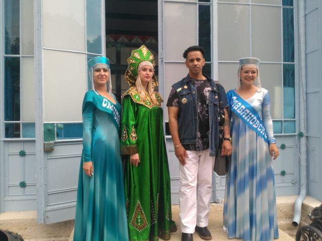 Турист из Англии восхитился красотой девушек Железноводска