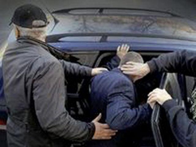 Двое жителей Ставрополья высадили из машины хозяина и похитили автомобиль