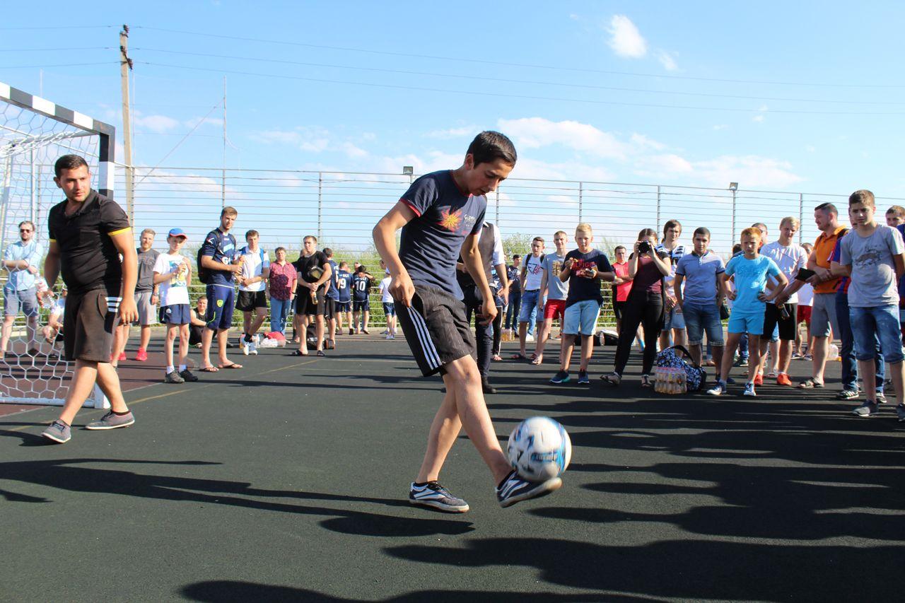 Большинство призовых мест на чемпионате лиги дворового футбола заняли команды Ставрополя