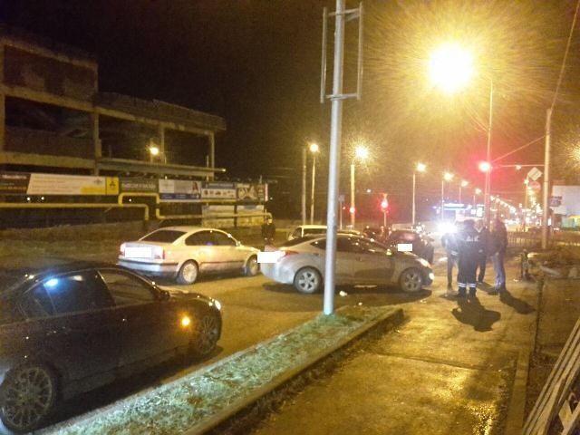 В Ставрополе столкнулись пять автомобилей, трое пострадали