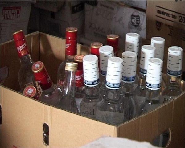 В гараже жителя Ставрополья обнаружили контрафактный алкоголь на 2,4 миллиона рублей