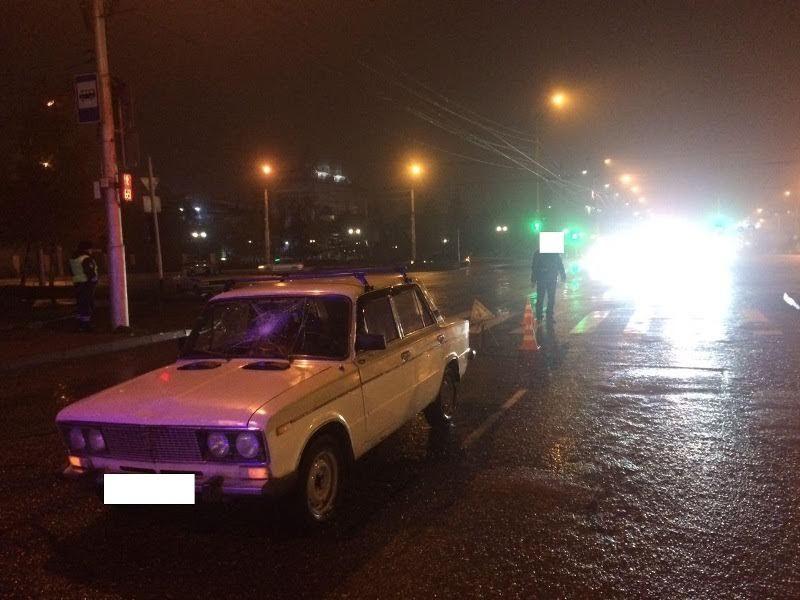 Шофёр «ВАЗа» сбил на«зебре» женщину вСтаврополе