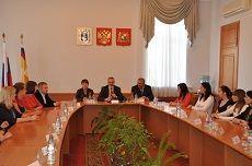 Глава города Ставрополя провел встречу с молодыми врачами