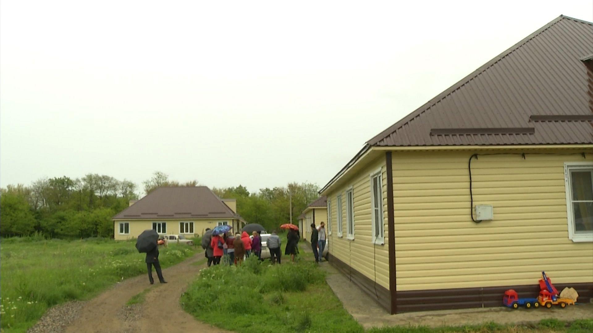 Власти Ставрополья держат на контроле жилищный вопрос детей-сирот из станицы Лысогорской
