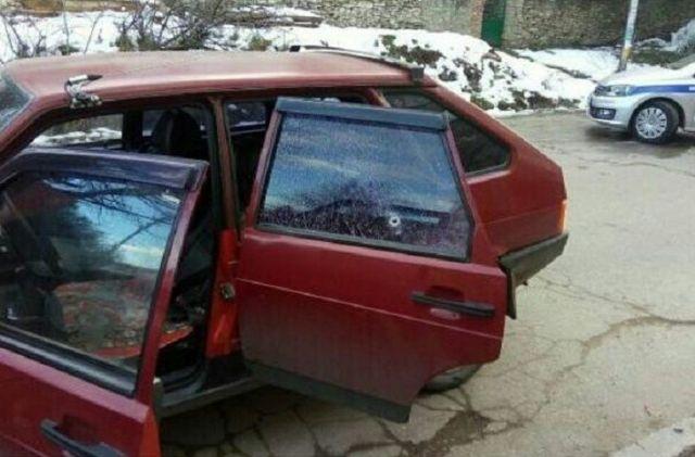 В соцсетях появились фото автомобилей, пострадавших в результате стрельбы в Кисловодске