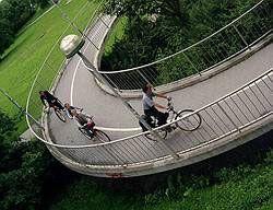 Европа посоветовала пересаживаться на велосипеды