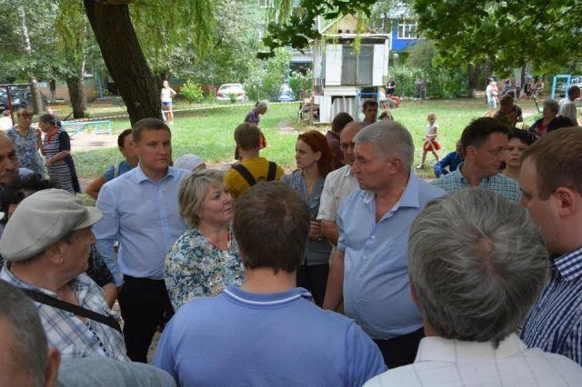 Андрей Джатдоев пообещал возместить ущерб пострадавшим от пожара в многоэтажке