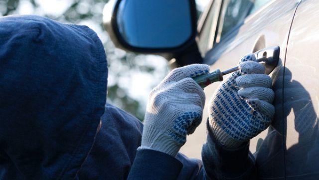 Молодой ставрополец пытался скрыться от полиции на угнанном автомобиле