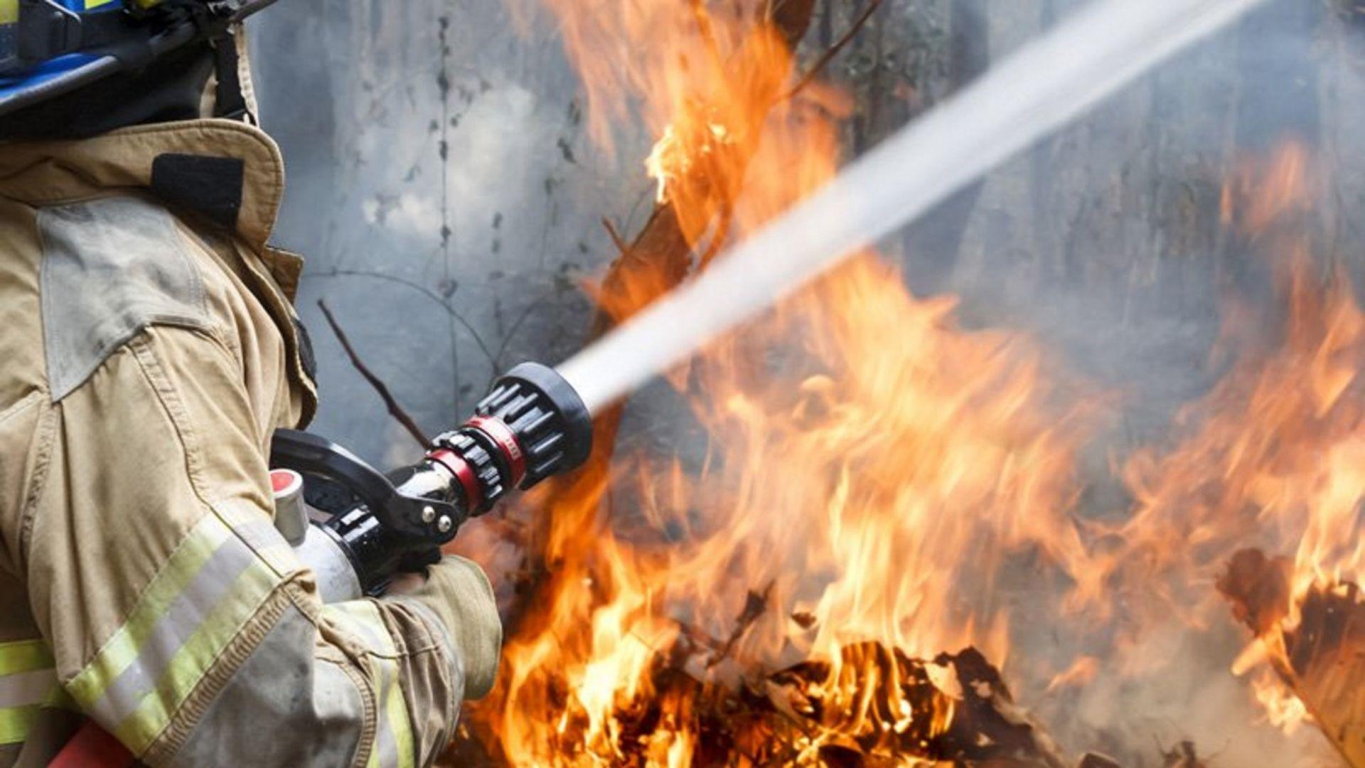 Пожар на складе хлебокомбината в Пятигорске ликвидирован