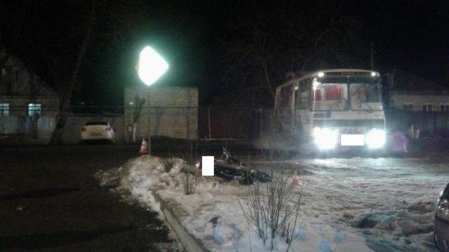 17-летний мотоциклист без прав столкнулся с автобусом в Пятигорске