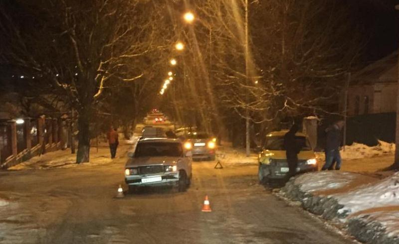 На Ставрополье в ДТП пострадал пассажир такси