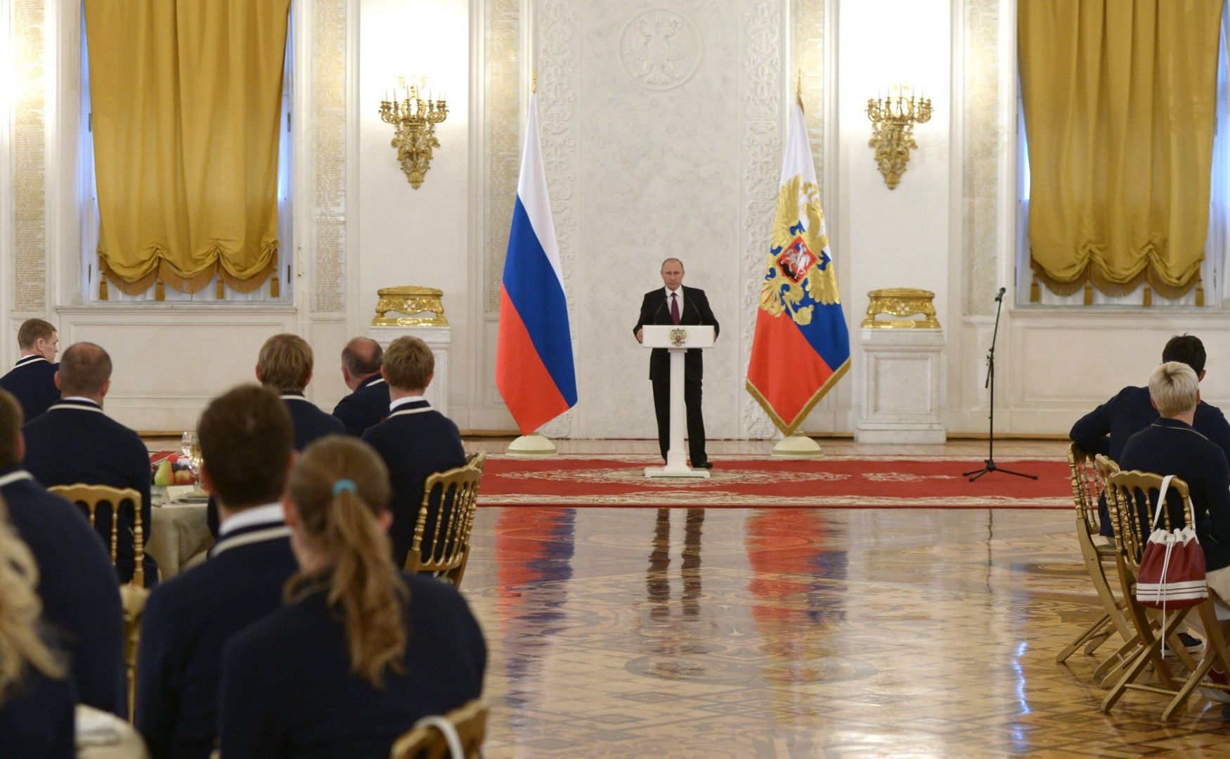 Ставропольчанка Анна Бычкова повстречалась сВладимиром Путиным